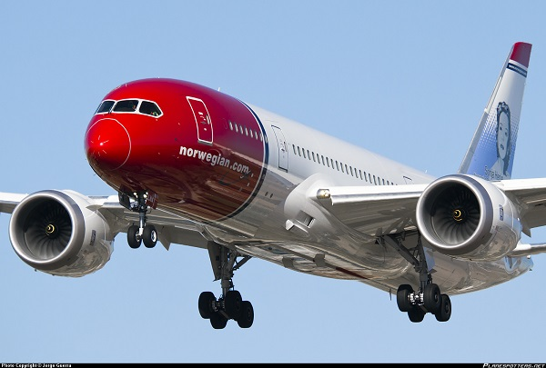 Norwegian-787-8-Dreamliner