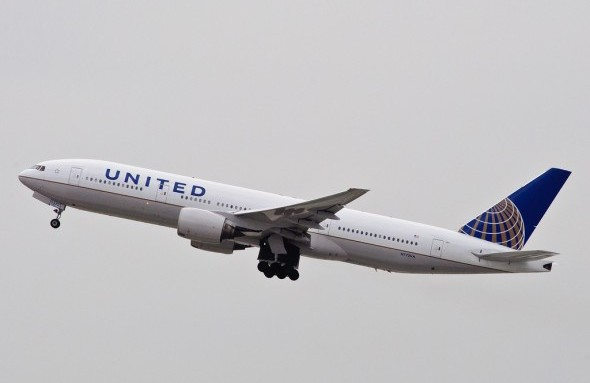 United Airlines Boeing 777-200
